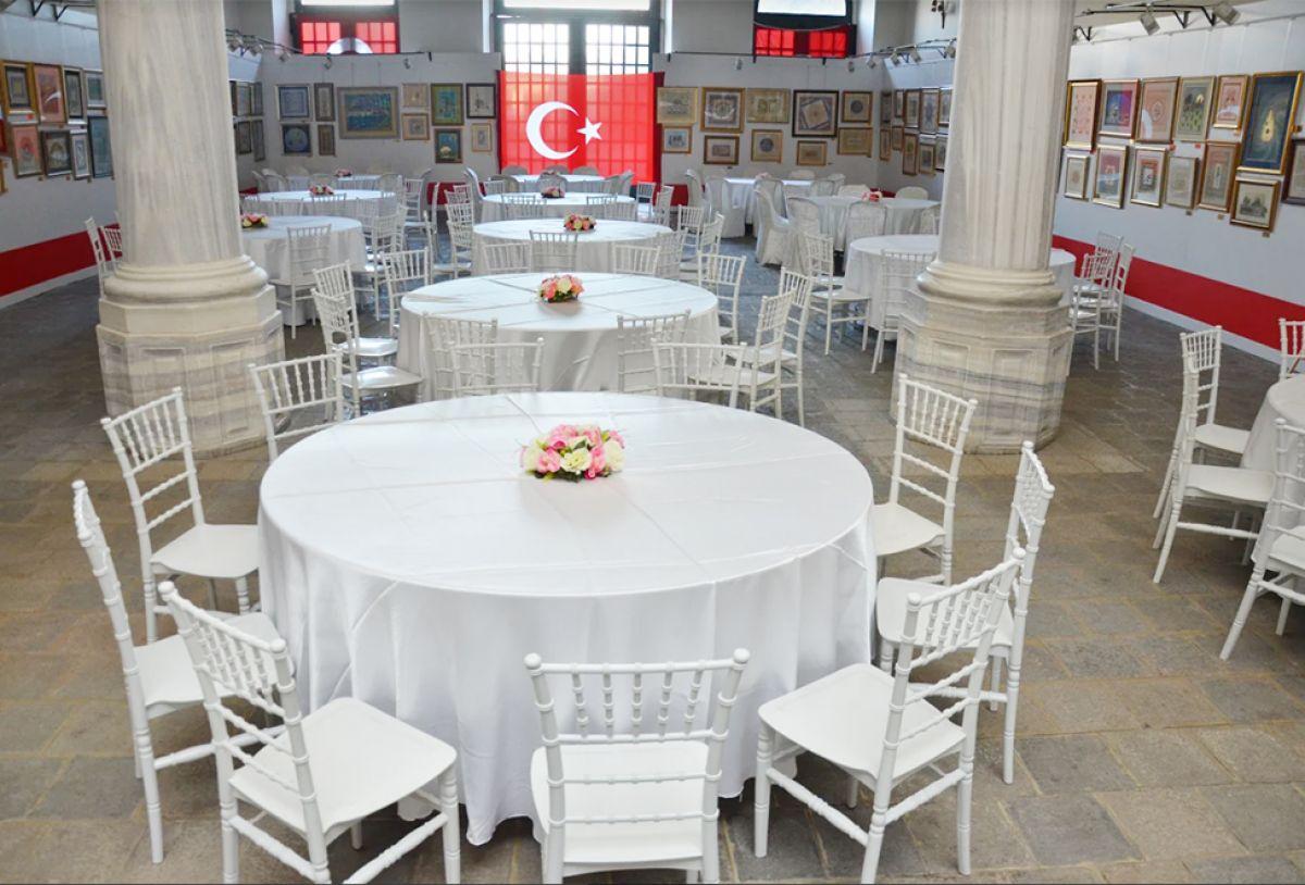 Kiralık Plastik masa sandalye - zirve organizasyon