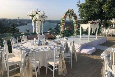 Düğün organizasyonu masa sandalye kiralama
