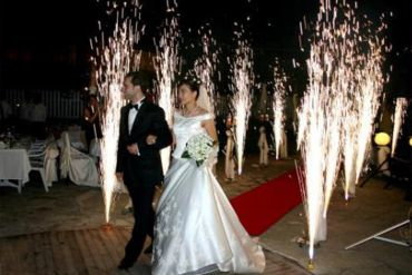 Düğün Organizasyonu Volkan Şov Eşliğinde Giriş