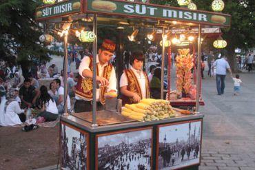 Karnaval Yiyecekler Süt Mısır Standı