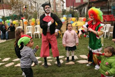 Palyaço Hizmetleri Çocuklarla Oyunlar